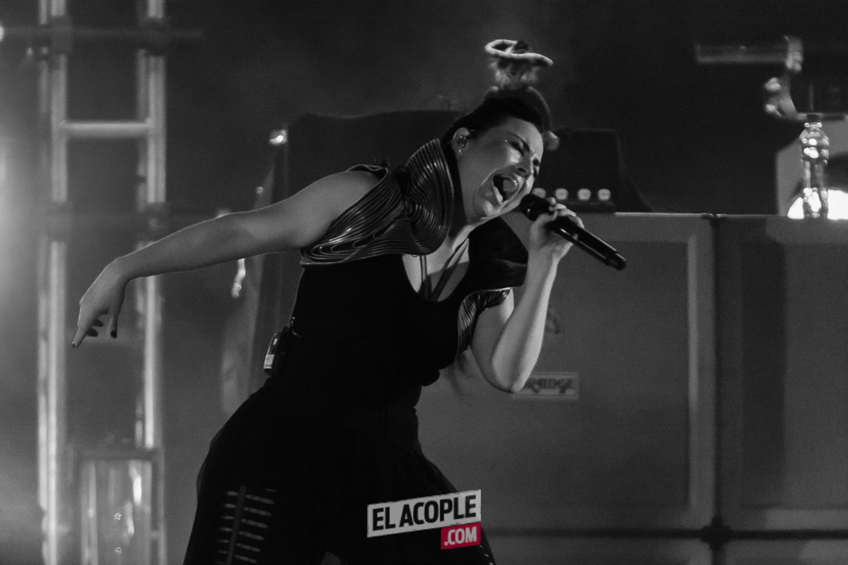 Evanescence live at Tecnopolis 02-05-17