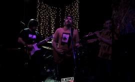 mostruo-vuela-el-pez-18-10-2014